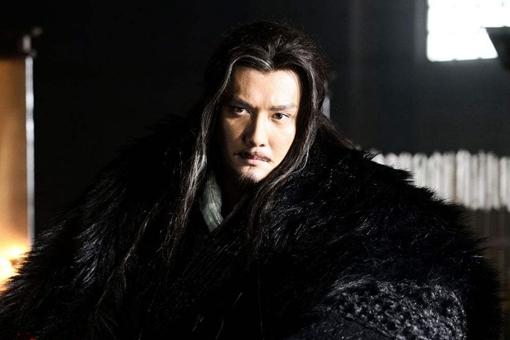 西楚霸王项羽为何会败给市井无赖刘邦?他对自己还不够狠!